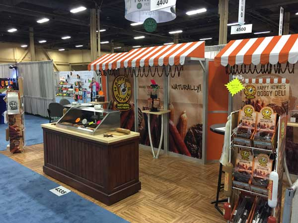 happy howies trade booth display